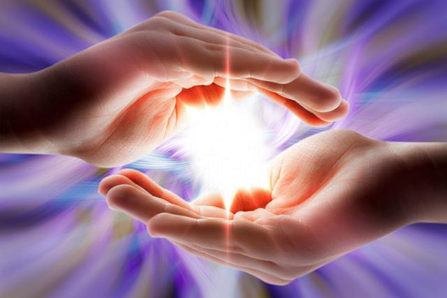 Resultado de imagem para reiki hand of light